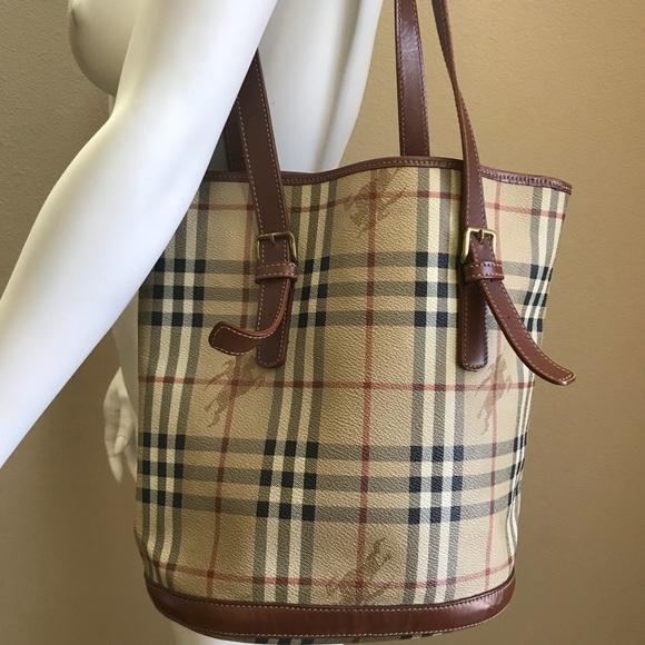 430e006a84c8 Burberry Handbags - Burberry Vintage Haymarket check shoulder bag